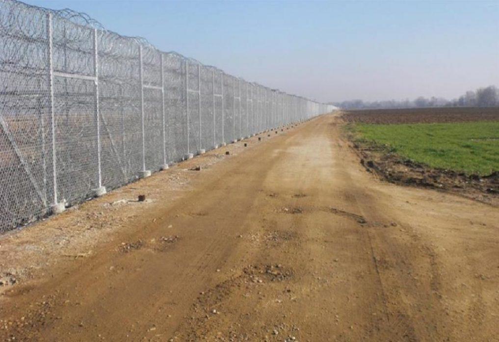 Греция решила усилить заграждения на границе с Турцией