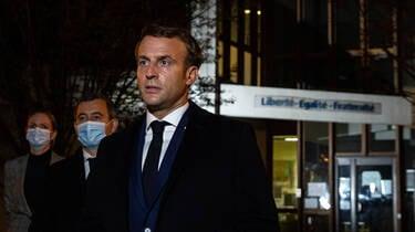 Французские политики, учителя и СМИ потрясены убийством учителя в Конфлан-Сент-Онорин, которому террорист отрезал голову