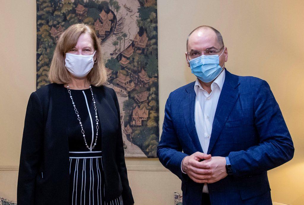 В Посольстве США на Украине решили за Киев отказаться от российской антиковидной вакцины