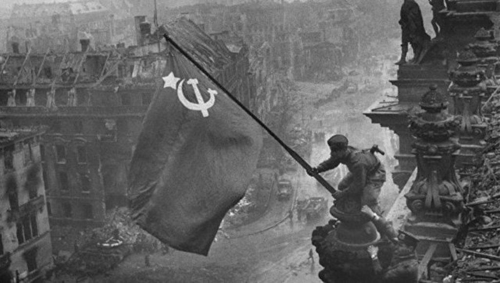 На Украине учителей истории смогут увольнять за упоминание Великой Отечественной