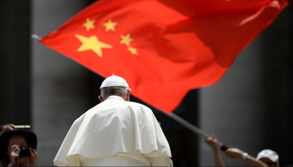 Ватикан продлил соглашение с Китаем