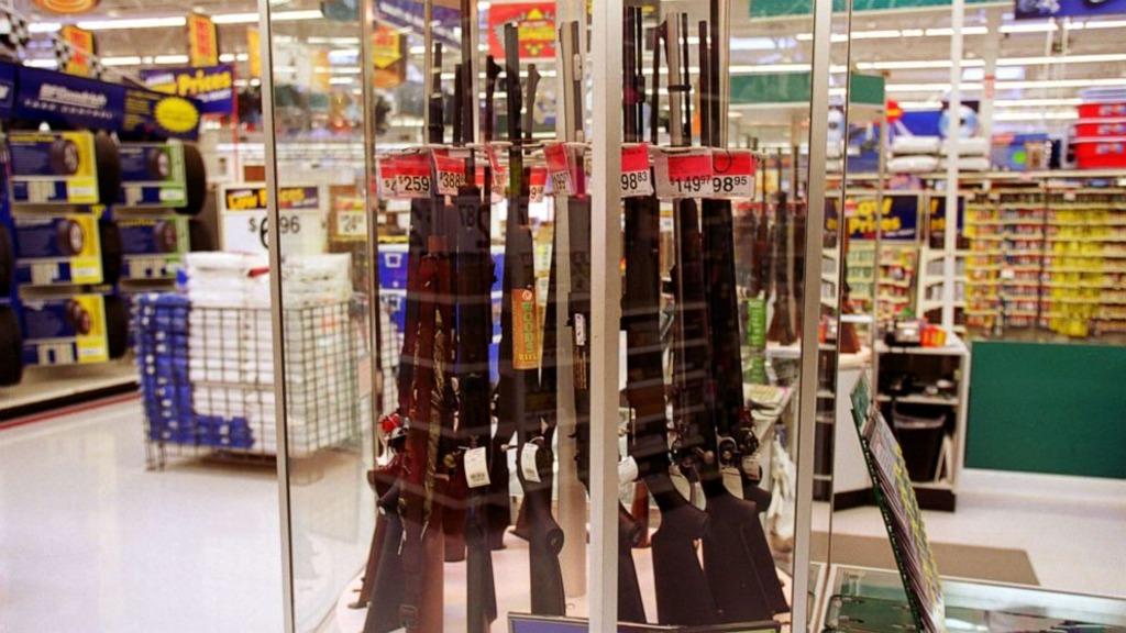 огнестрельное оружие в американских супермакетах Walmart