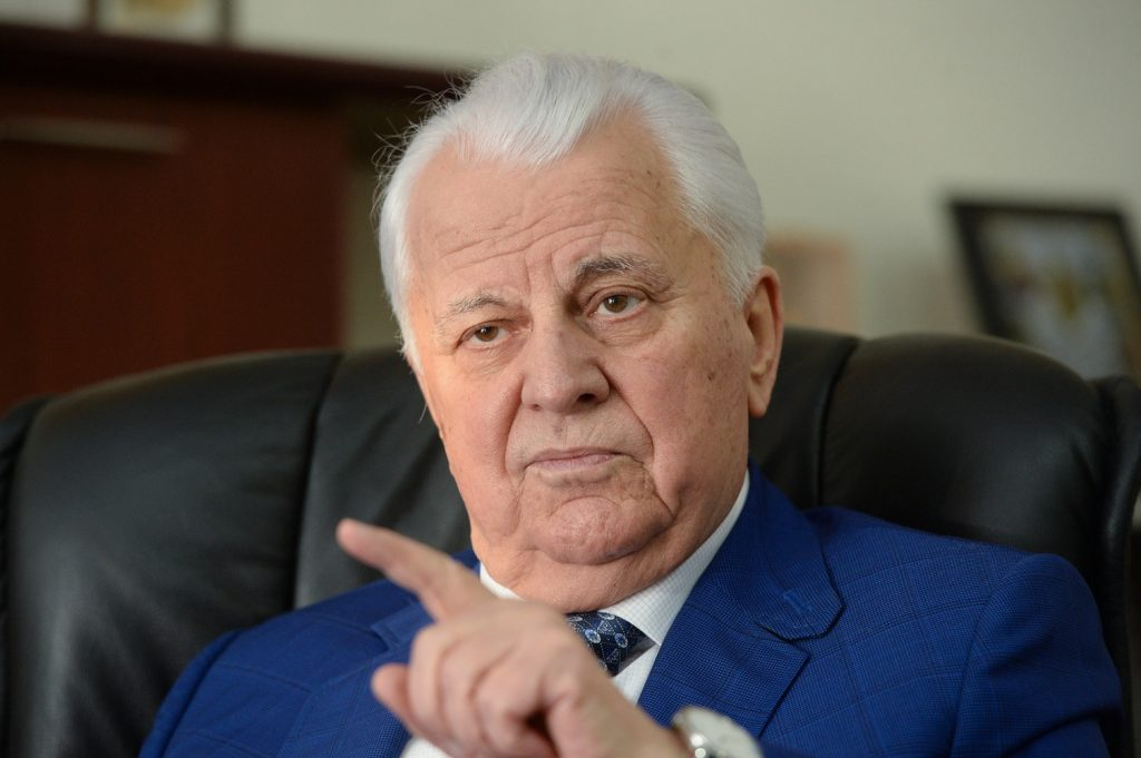 Кравчук назвал Минские соглашения «удавкой на шее Украины»