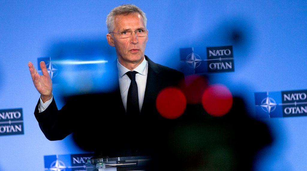 Столтенберг заявил о желании поддерживать диалог с Россией