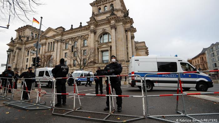 протесты в германии против карантинных мер
