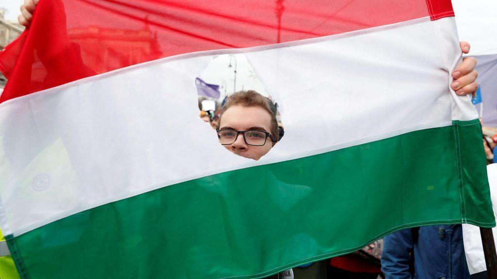 Украинские «патриоты» Закарпатья угрожают этническим венграм региона расправой