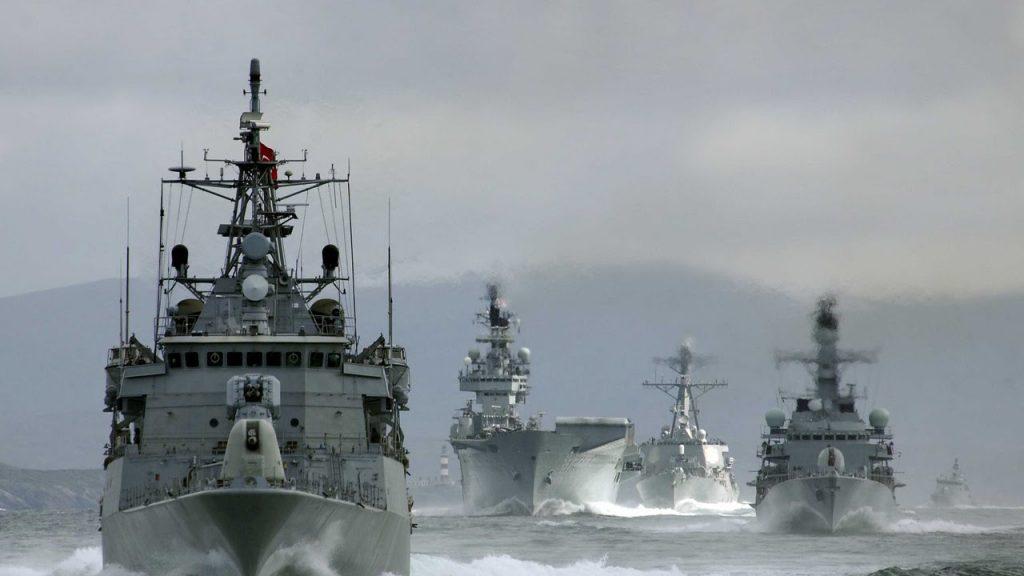 После критики главы НАТО Россия вывела два флота на манёвры
