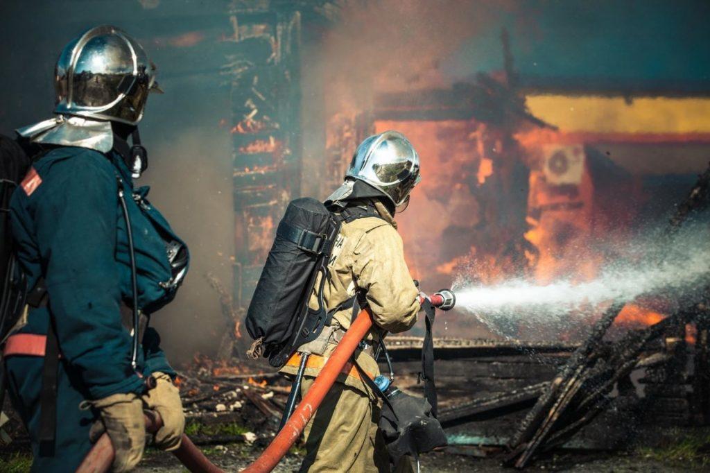 Обсуждение зарплат пожарных и спасателей вынесено на федеральный уровень
