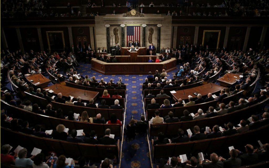 Демократ-сенатор США посоветовал срочно принять закон о защите от «агрессии Кремля»