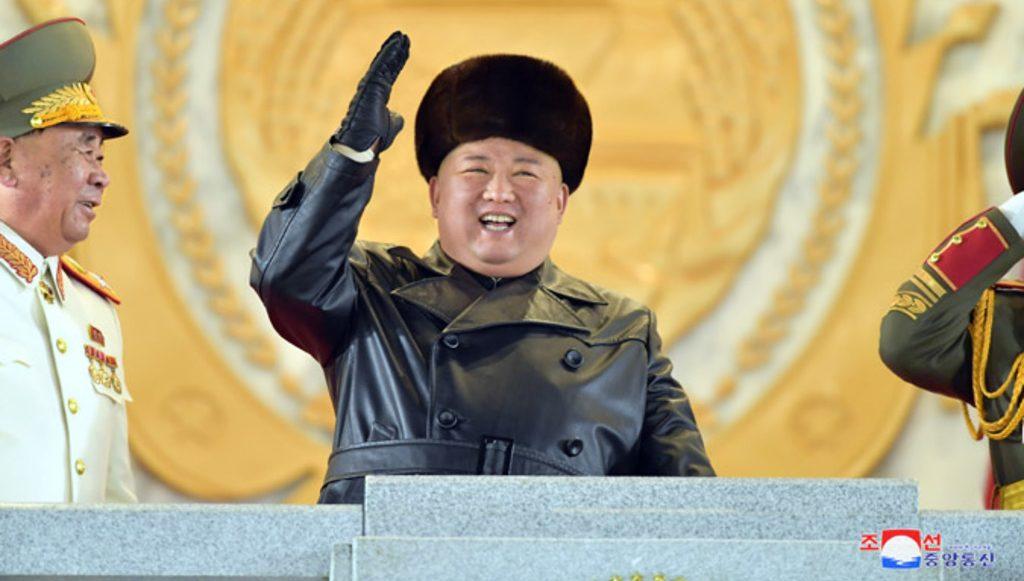 Ким Чен Ын на параде январь 2021