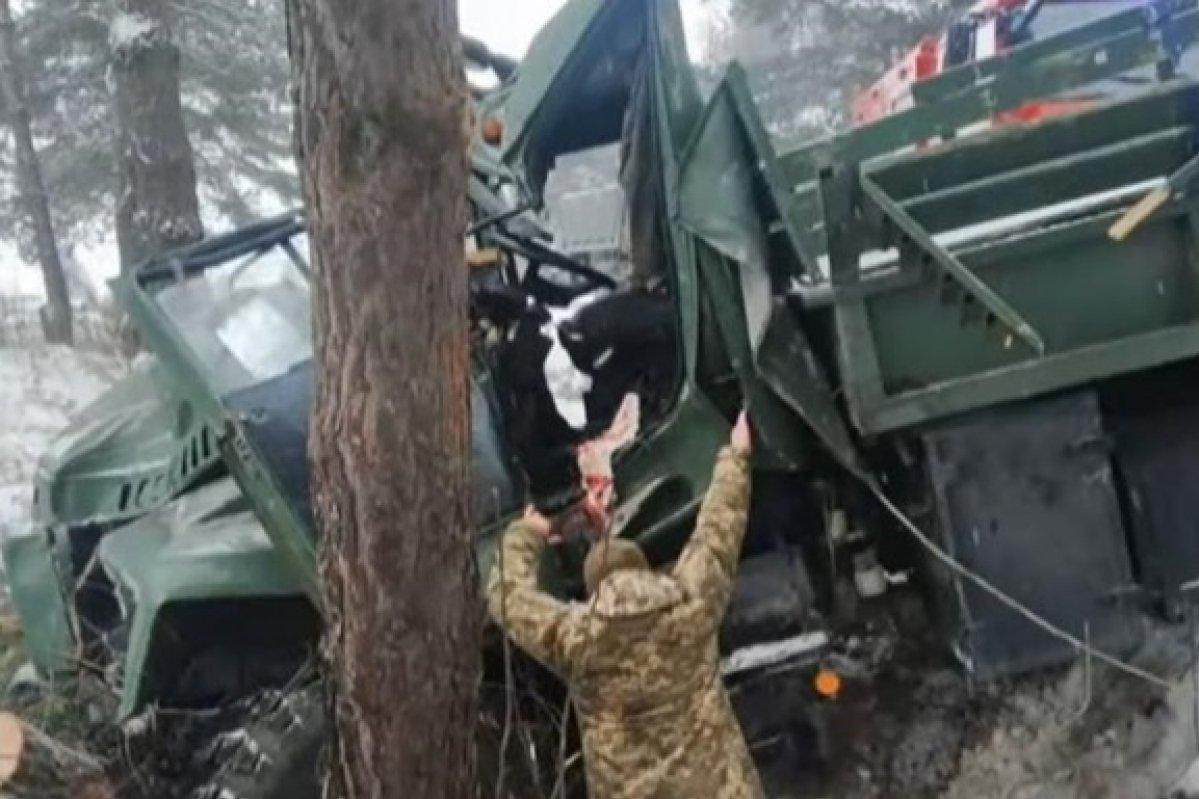 Под Львовом перевернулся КрАЗ с солдатами ВСУ,
