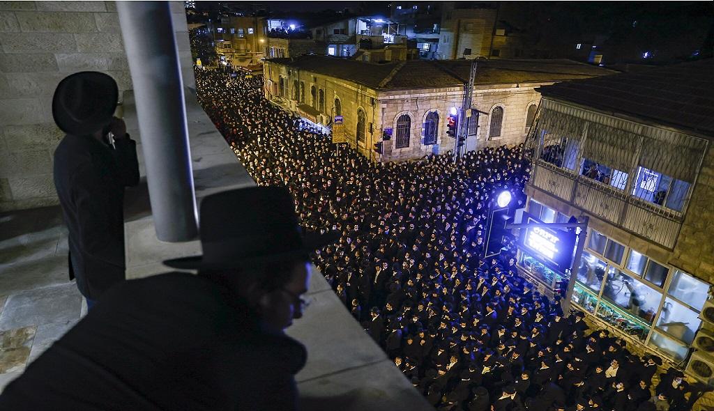 похоронная процессия раввина в Иерусалиме