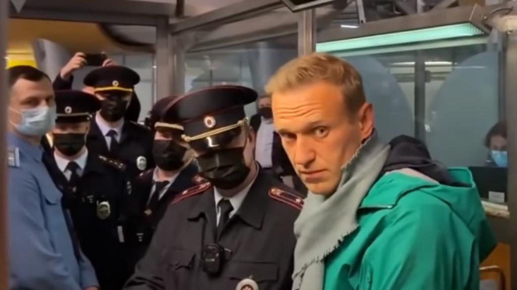 На злобу дня: посадка Навального как символ и предупреждение