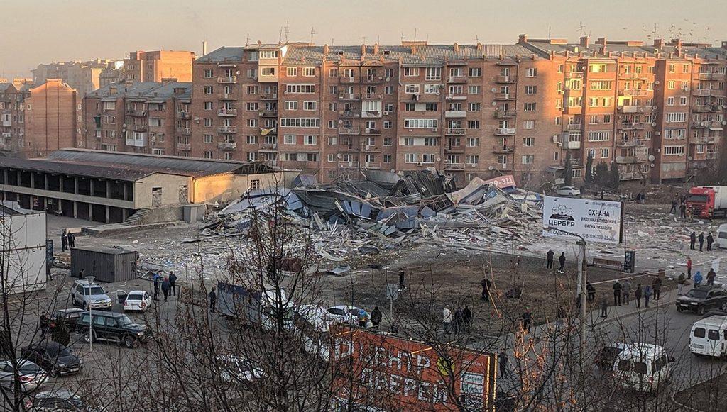 взрывом во Владикавказе разрушило здание
