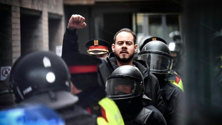 арестованный испанский рэпер Пабло Хасель