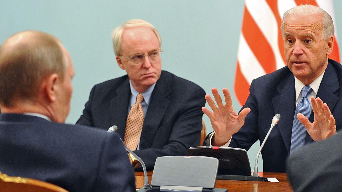 Джо Байден в разговоре с Владимиром Путиным