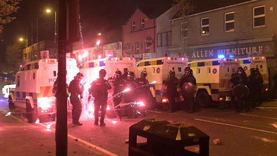 Угроза конфликта протестантов и католиков в Северной Ирландии