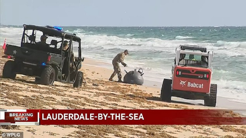 на пляж Флориды вынесло морскую мину