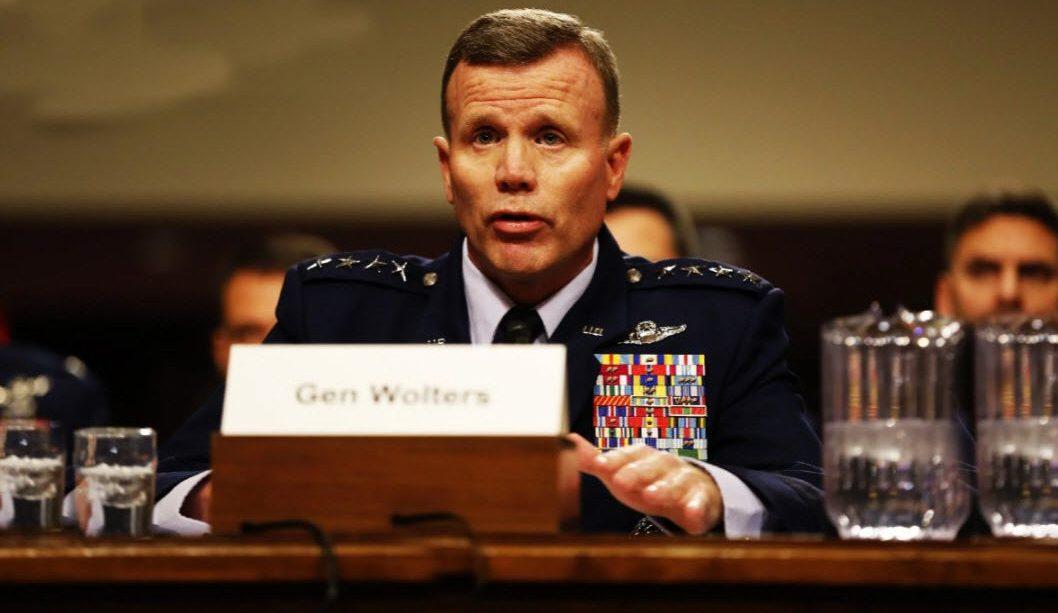 Командующий войсками США в Европе генерал Тод Уолтерс