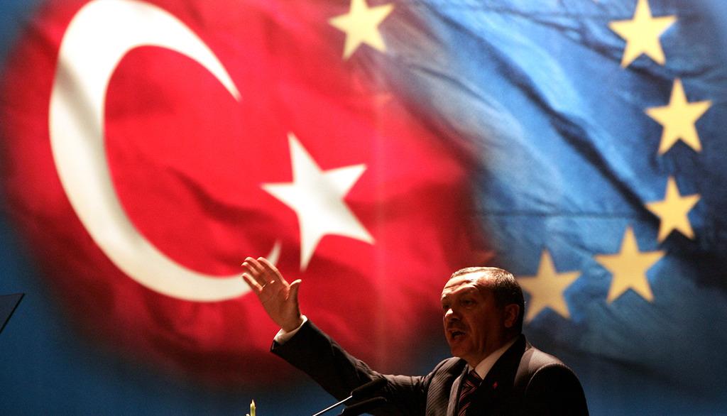 Одобрена резолюция об остановке переговоров с Турцией о вступлении в ЕС