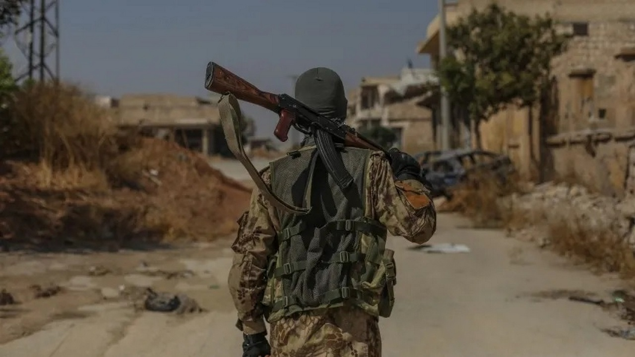 Сирийские боевики перебрасывают силы в Идлибской зоне