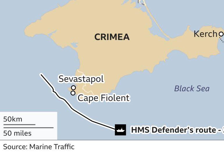 курс британского эсминца-провокатора HMS-Defender.