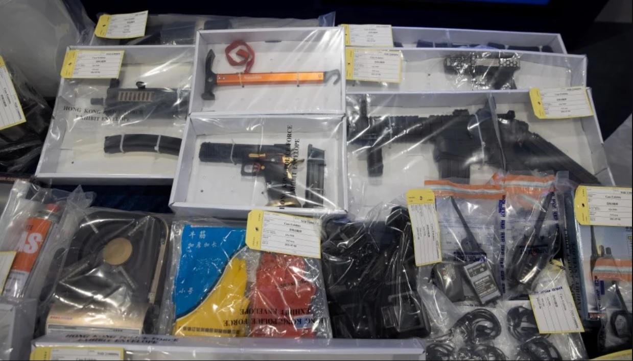 В Гонконге задержаны 9 человек, готовивших серию взрывов на судах, железной дороге и в туннелях.