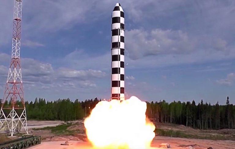 RUSSIA - JULY 19, 2018: A drop test of the RS-28 Sarmat liquid-fueled superheavy intercontinental ballistic missile developed by the Makeyev Rocket Design Bureau to replace the old R-36M2 missile system. Video screen grab/Press and Information Office of the Defence Ministry of the Russian Federation/TASS  Ðîññèÿ. Áðîñêîâûå èñïûòàíèÿ òÿæåëîé æèäêîñòíîé ìåæêîíòèíåíòàëüíîé áàëëèñòè÷åñêîé ðàêåòû