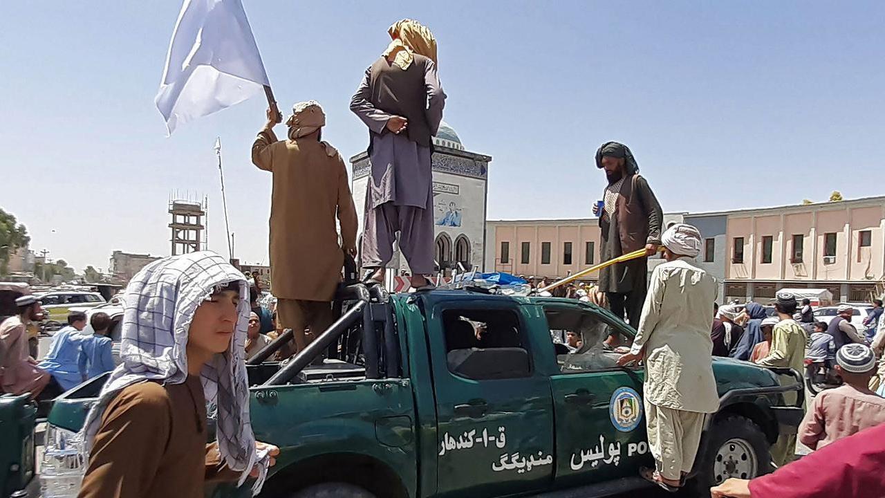 Талибы ведут переговоры о сдаче Кабула
