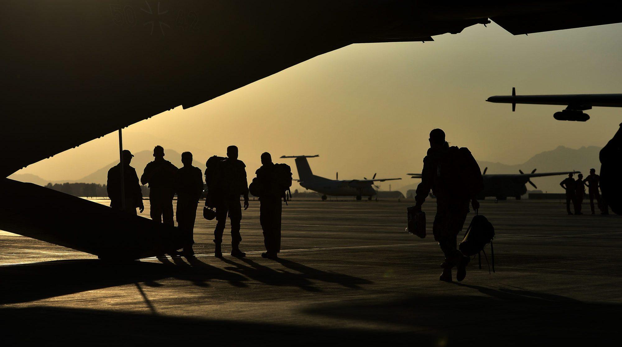 солдаты Бундесвера в аэропорту Кабула