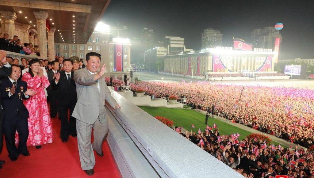 Ким Чен Ын на параде 8 сентября 2021
