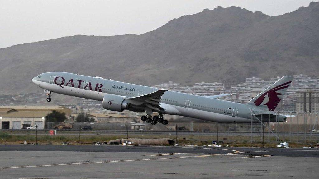 самолет Катара смог вылететь из Кабула