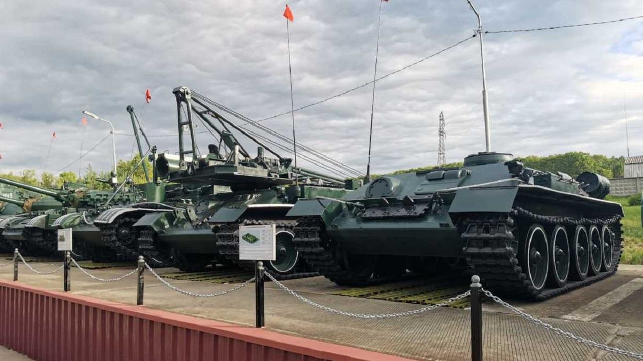 В Приморье восстановили редкие инженерные машины на базе Т-34