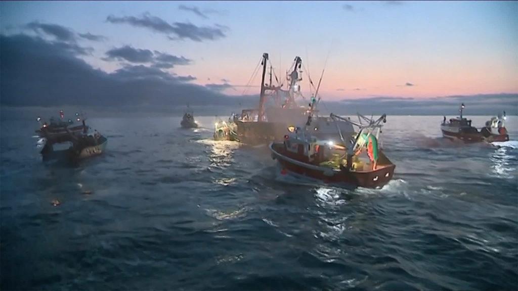 французские и британские рыболовецкие лодки